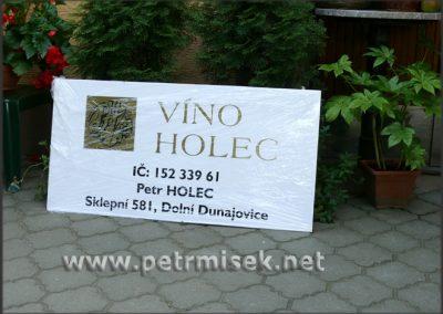 vino_holec.jpg